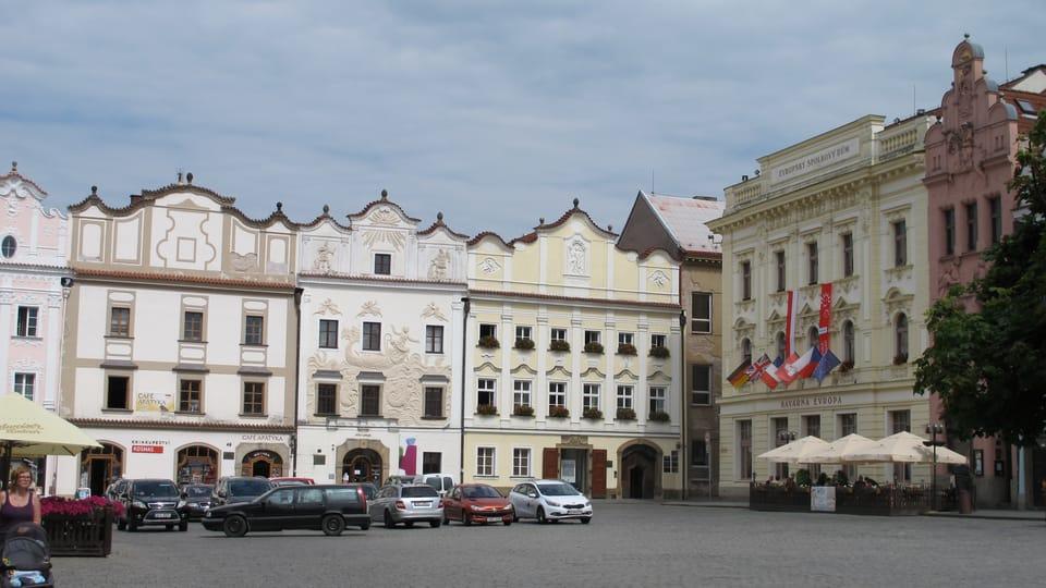Pernstein-Platz mit dem Jona-Haus  (Mitte). Foto: Kristýna Maková