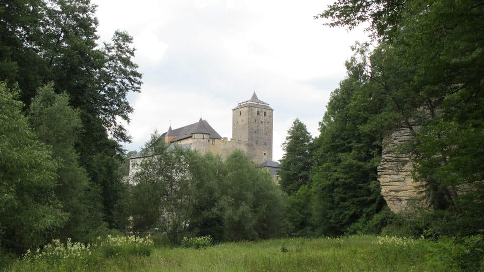 Burg Kost und Plakánek-Tal  (Foto: Archiv des Tschechischen Rundfunks - Radio Prague International)