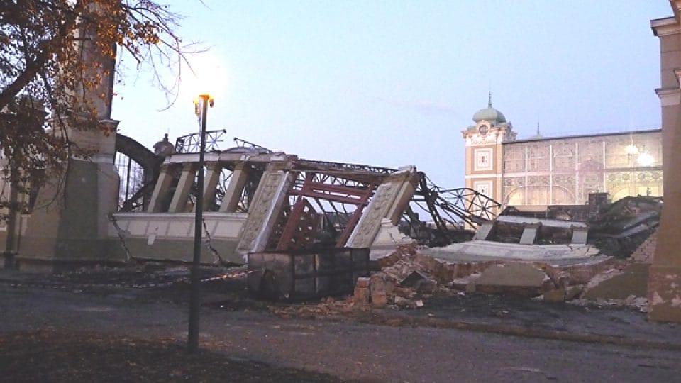 Linker Flügel des Gebäudes kurz nach dem Feuer  (Foto: Dana Josefová,  Archiv des Tschechischen Rundfunks)
