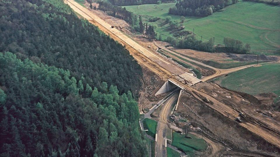 Bau des ersten Abschnitts der Autobahn D1   Foto: Straßen- und Autobahndirektion
