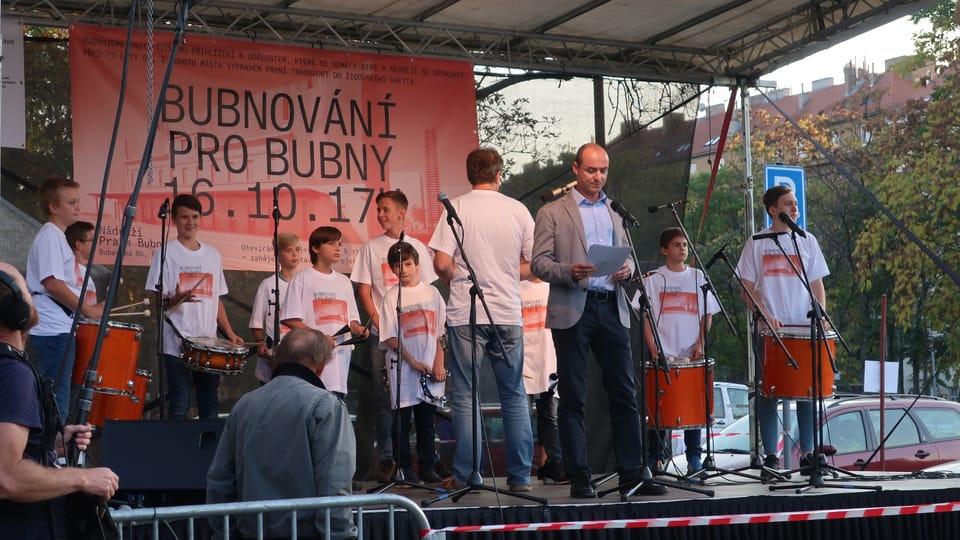 """Trommeln für Bubny""  (Foto: Martina Schneibergová)"