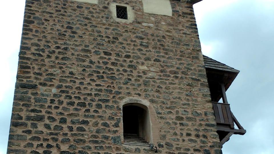 Romanischer Turm  (Foto: Magdaléna Hrozínková)