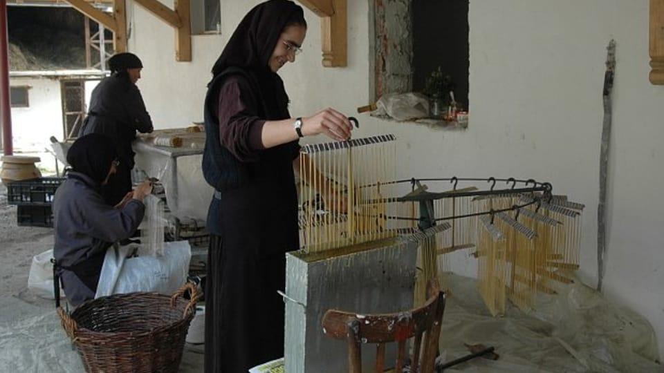 Kerzenherstellung im Kloster Govora  (Foto: Jana Šustová)