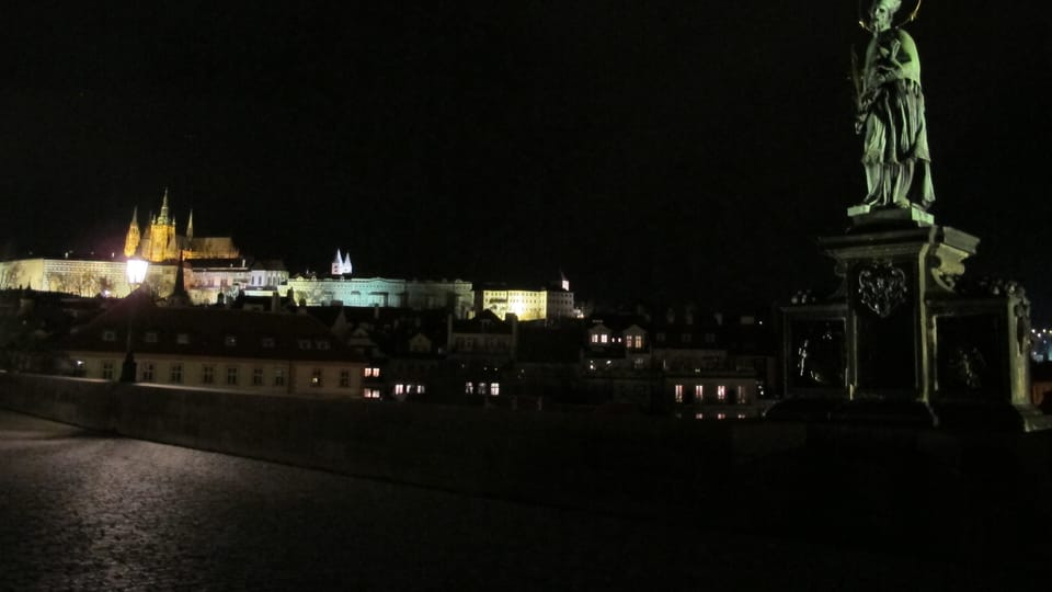Prager Burg und Karlsbrücke  (Foto: Kristýna Maková / Praha křížem krážem)